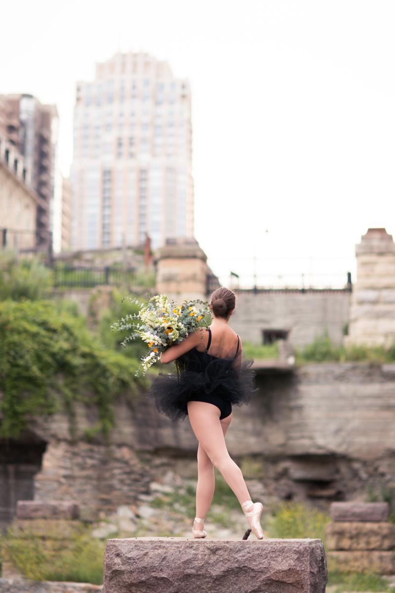 stone-arch-bridge-ballerina