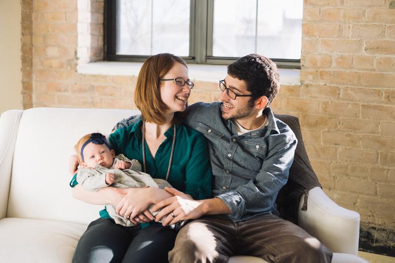 family-relaxed-studio-photos