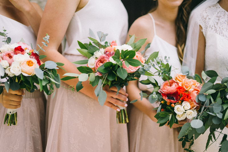 Bridesmaids bouquets coral and blush