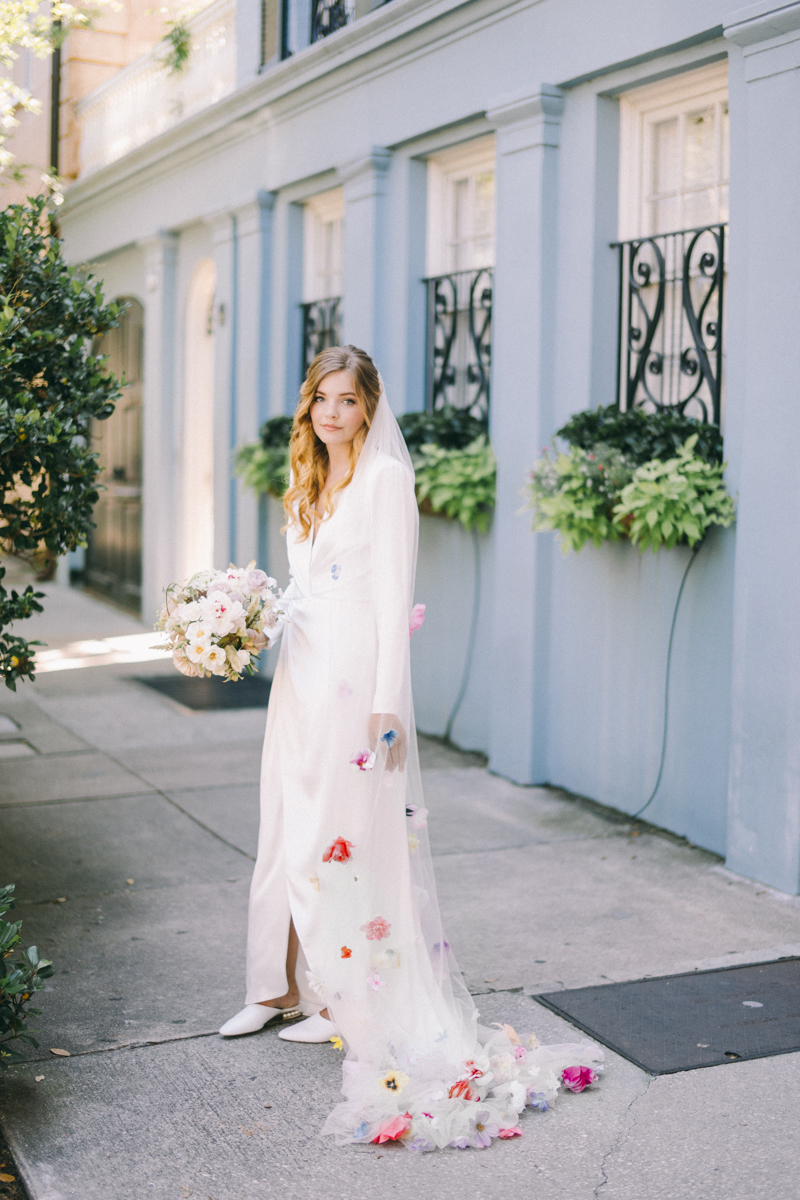 Charleston bridal portraits | Rainbow Row wedding photos | Charleston wedding photographer