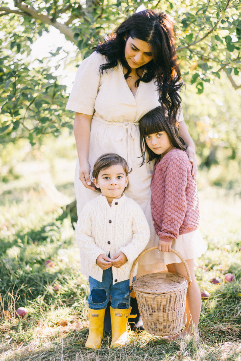 apple picking family portrait session